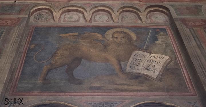 Il Palazzo della Ragione di Padova: insegna del Tribunale del Leone