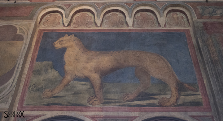 Il Palazzo della Ragione di Padova: insegna del Tribunale della Dolce o Pantera