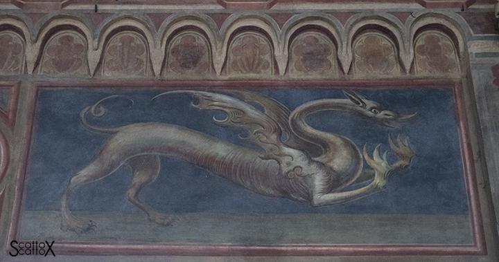 Il Palazzo della Ragione di Padova: insegna del Tribunale del Drago