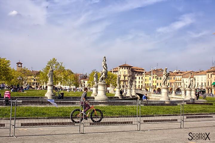 La festa della bicicletta in Prato della Valle a Padova