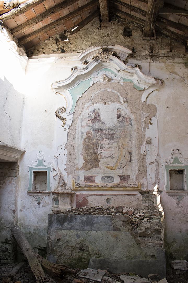 Villa Valier: affresco dentro la chiesetta