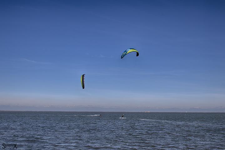 La spiaggia della Boschettona, meta degli appassionati di kite-surf