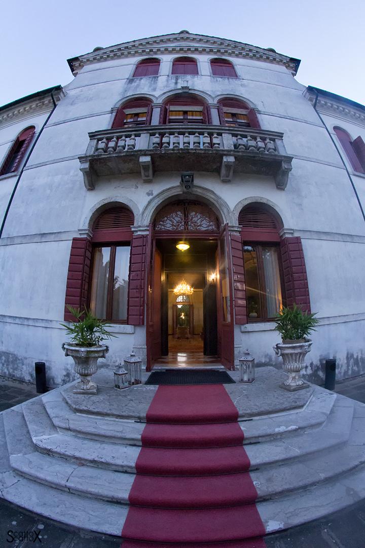 Ti porto la Luna: la facciata di Villa Sagredo a Vignovo