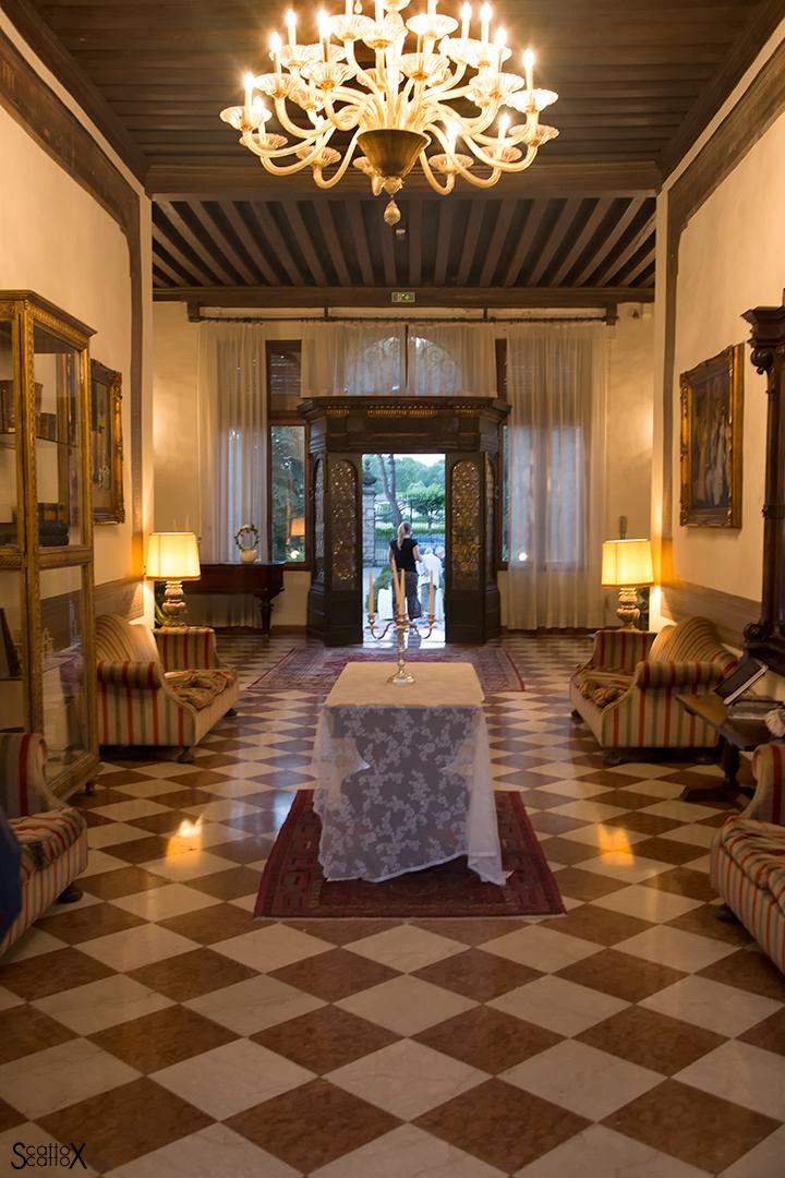 Ti porto la Luna: salone di Villa Sagredo a Vignovo
