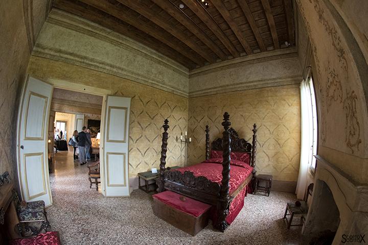 Villa dei Vescovi: la stanza del Vescovo