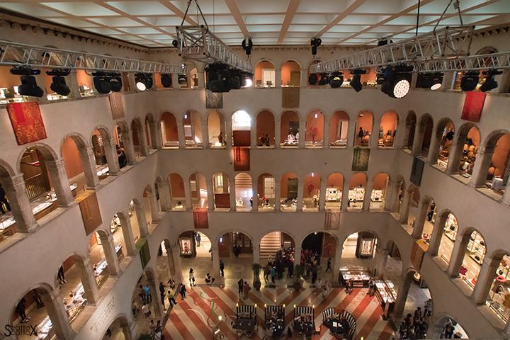 Una passeggiata a Venezia: Fondaco dei Tedeschi