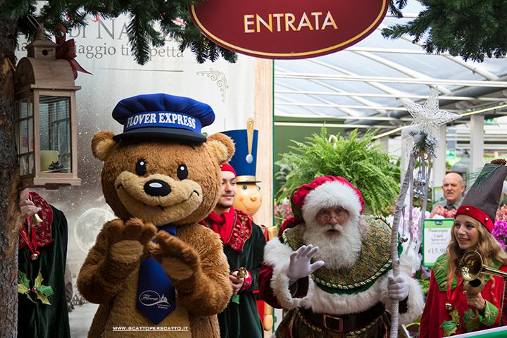 Villaggio di Natale Flover a Bussolengo: l'orso Teddy e Babbo Natale