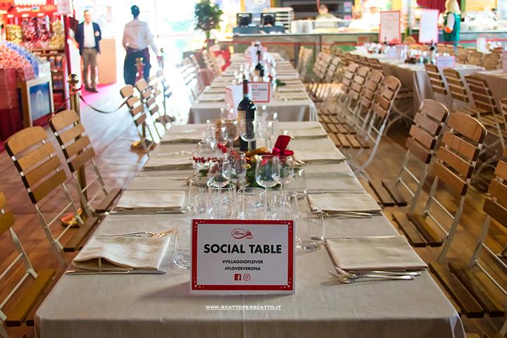 Villaggio di Natale Flover a Bussolengo: il tavolo social!