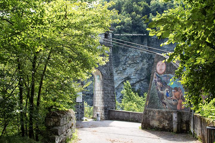 Lago del Corlo - Accesso al Ponte della Vittoria