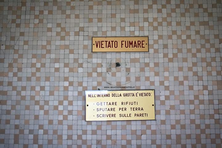 Grotta naturale termale di Sant'Elena - Comportamento nella grotta