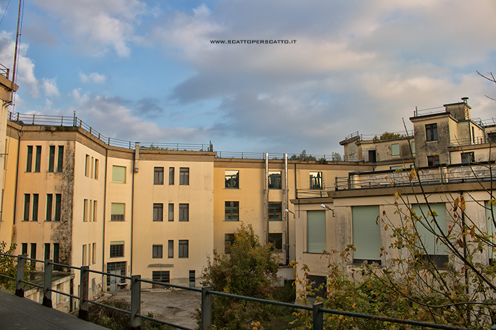 Lo stabilimento INPS di Battaglia Terme: il giardino interno