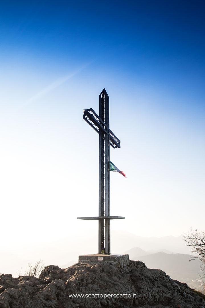 Sentiero del Monte Ceva: la croce di ferro